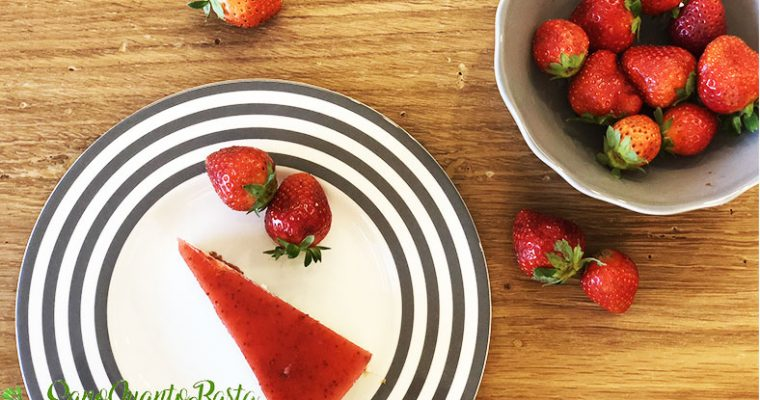 Cheesecake light alle fragole: conceditene pure una fetta